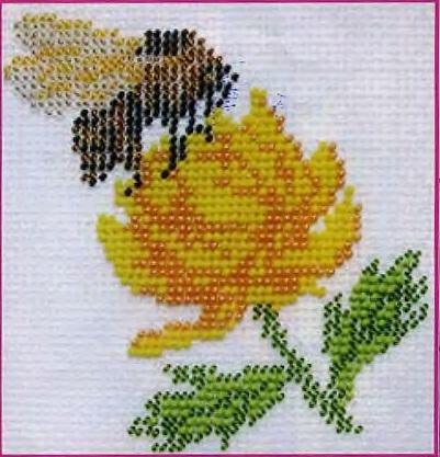 Схема вышивания бисером - Шмель на цветке