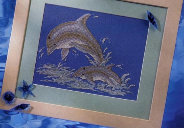 Схема вышивания крестом - Веселые дельфины